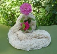 یک کلاف 100 گرمی پود نازک رجشمار 10 (پنبه ای 9 لا)